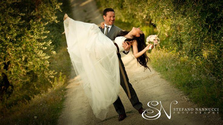 happy wedding couple #weddinginitaly #weddingintuscany #weddingphotographer