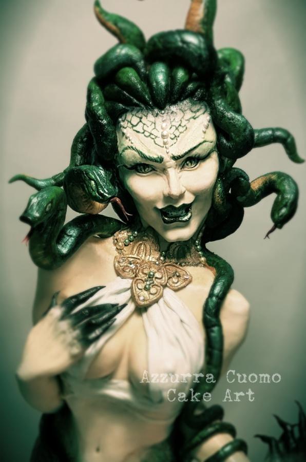 Sugar Myths & Fantasies :Global Edition Collaboration: Medusa  by Azzurra Cuomo Cake Art