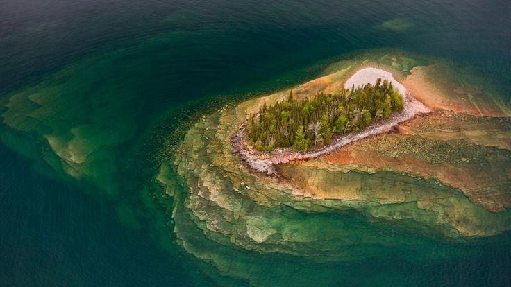 9月11日、スペリオル湖の小島