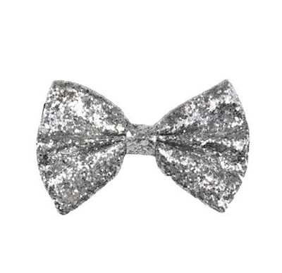 Keep your groom and his groomsmen in step with a #silver #wedding #theme. This bow tie paired with black or navy suit makes for a surprisingly sharp look // Silver glitter bow tie available from www.justforfun.co.uk