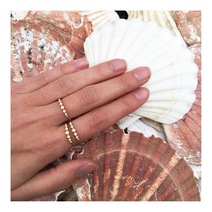 Seashells and diamond rings JEWELRY >> http://www.janekoenig.com/rings.html