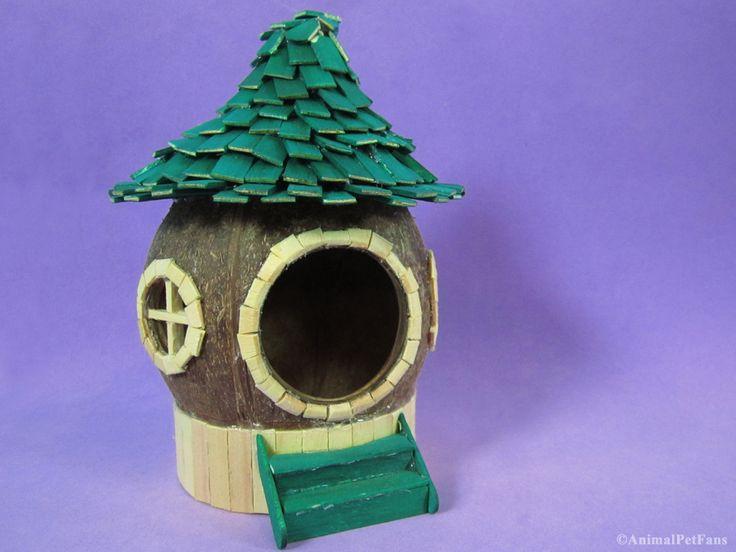 Desta vez resolvi fazer uma casinha para hamster no estilo fairy house, utilizando um coco.        Comprar     Loja Virtual     Como fazer u...