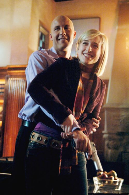 Michael Rosenbaum and Allison Mack on the set of Hypnotic.