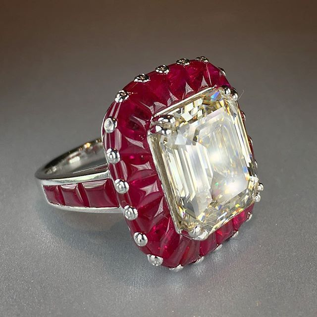 Art Deco Diamond and Ruby Ring @picchiotti_fine_jewellery with invisibly set diamonds and rubies in the round