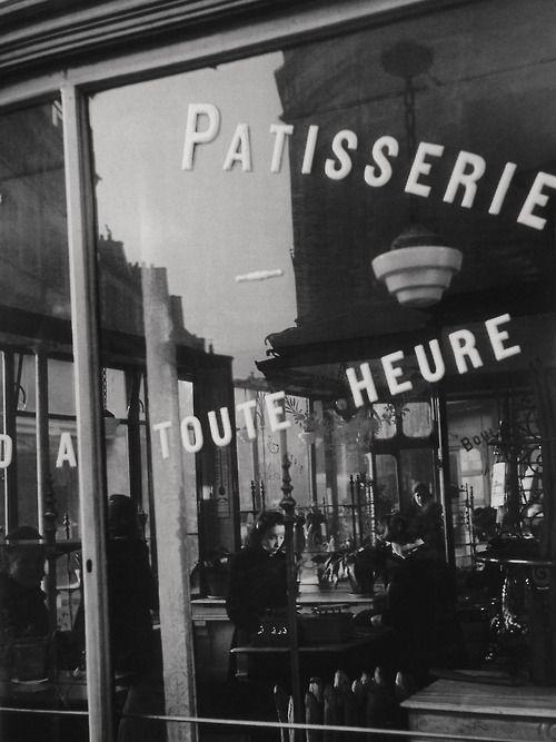 Paris 1948  Photo: Willy Ronis