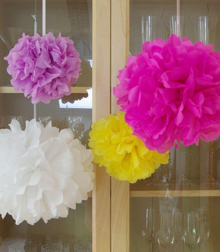 Pompoms Pompons Ponpons basteln selber machen Hochzeit Party Dekoration Anleitung kostenlos 2