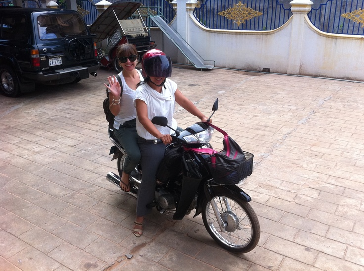 IVHQ volunteer Emily heads off for a day of volunteering at an NGO in Siem Reap