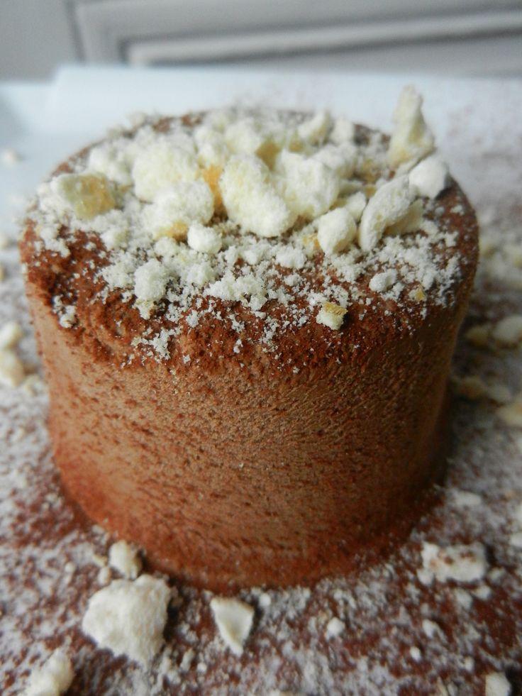 Parfait glacé ou semifreddo au chocolat, rhum et meringues
