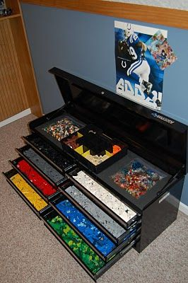 Lego Storage ~ use a tool box!  Glue the flat Lego sheets to the top!  LOVE THIS IDEA! @Shiela McLaughlin McLaughlin Niederworder Hiedeman