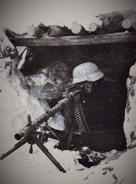 Somewhere on the Eastern Front. The lone machine gunner.