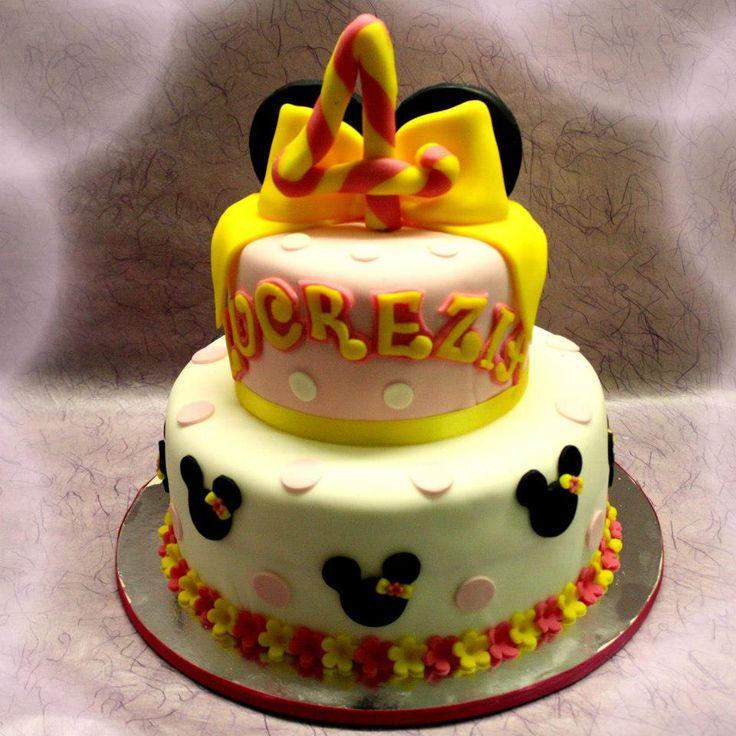 Minnie ed il fiocco giallo. Torte Artistiche per qualsiasi evento della pasticceria La Mimosa di http://www.simocakedesigner.it