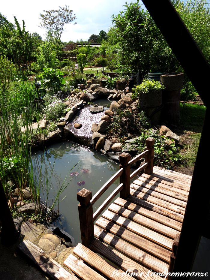 Teichbr 252 Cke Wooden Bridge Over Garden Pond Bauerngarten