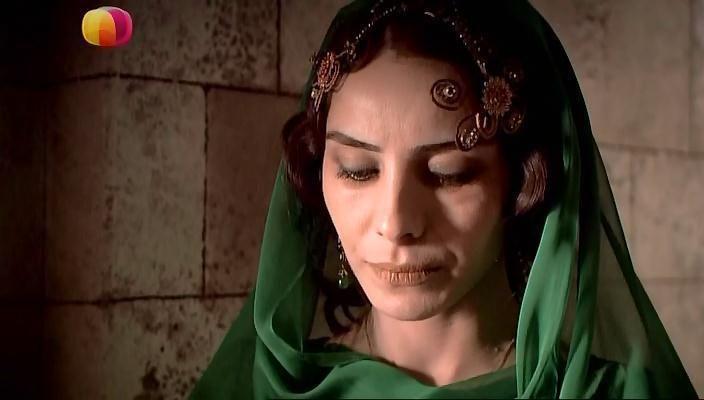 Диадема Махидевран - 1 (Кадр из сериала)