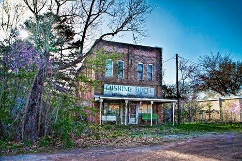 Cushing Hotel in Maydelle TX listed under creepy abandoned hotels : Photo Shar Community