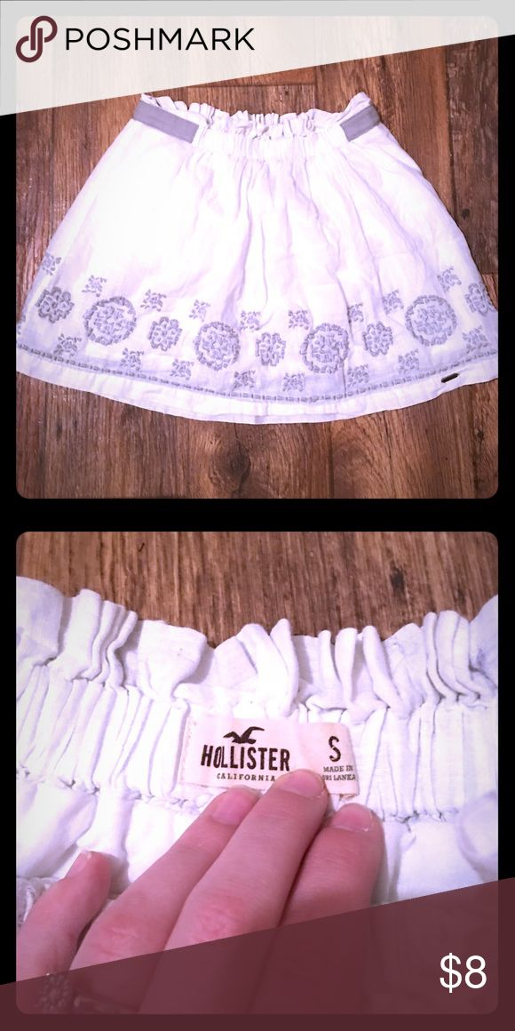 Hollister Skirt Cute white Hollister skirt! Excellent Used Condition!! Hollister Skirts