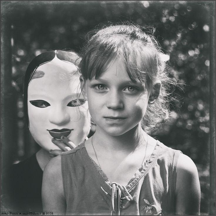 photo: Portrait of Two Girls | photographer: Andy Prokh | WWW.PHOTODOM.COM