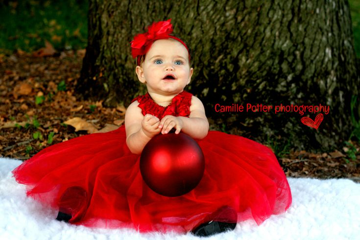 Holiday Christmas photography ideas. Easy photo props. 10 months old. Camille Potter Photography. Roseville, California.