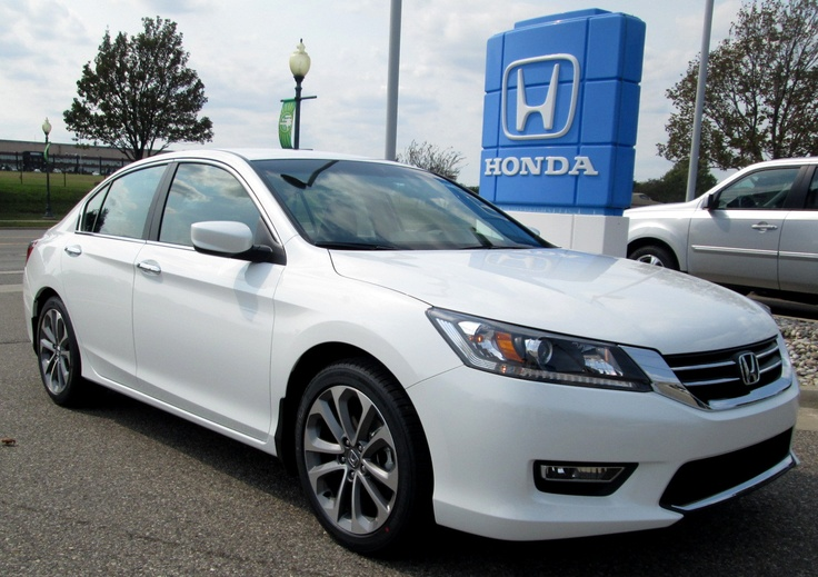 2013 White Honda Accord Touring