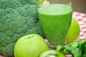 El brócoli es una planta que pertenece a la familia de las crucíferas y en la actualidad los científicos han puesto especial interés en ella, particularmente por sus propiedades anticancerígenas, pero sus beneficios saludables se extienden mucho más allá.  SIGUE LEYENDO EN: http://alimentosparacurar.com/n/6953/jugo-de-brocoli-y-sus-beneficios-para-la-salud.html