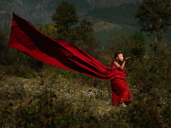 Freedom... | Heartwarming Monk Photography - Bal Deo Captures a Different Side of Faith and Reflection (GALLERY)