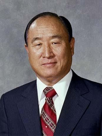 "Sun Myung Moon, North Korea, guru self-proclaimed messiah and  founder of the ""Unification Church"", born February 25/1920, died September 03/2012"