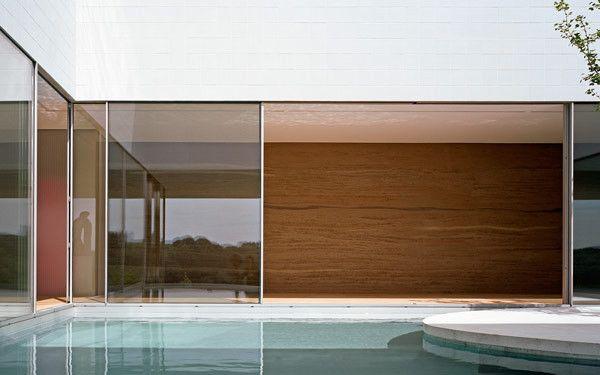 PLASTOLUX keep it modern  Haus mit Atelier by KOR Archi