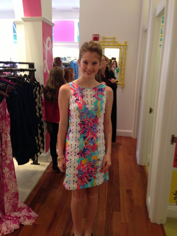 Trippin and sippin ember shift ohshift @lilly pulitzer