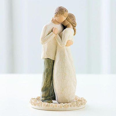 Se o seu casamento tiver um estilo mais clássico, romântico ou delicado… aposte nestes modelos de Topo de Bolo