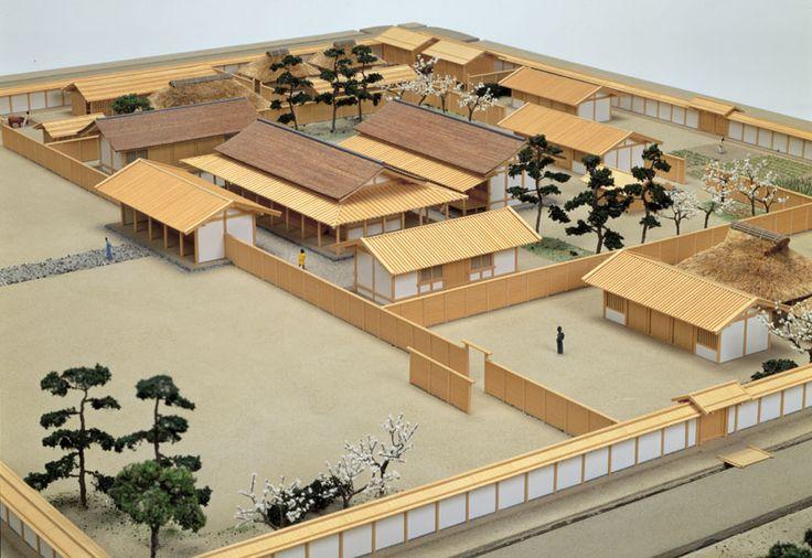平城京右京七条一坊の貴族の屋敷復元模型|写真