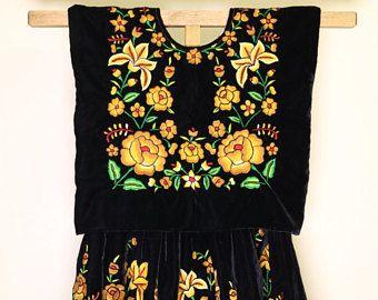 Envío GRATIS! Vestido mexicano bordado: traje regional de Tehuana artesanal, vestido Frida Kahlo,  Tehuantepec y Juchitan, Oaxaca, Mexico