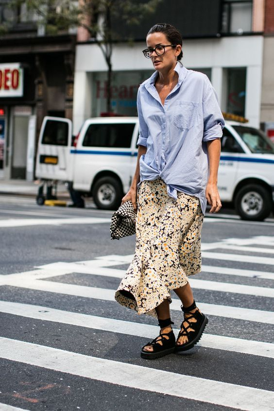 Knotted Blue Shirt | Street Style #StreetStyle