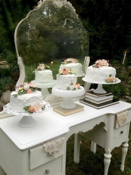 Vintage multiple wedding cakes setup