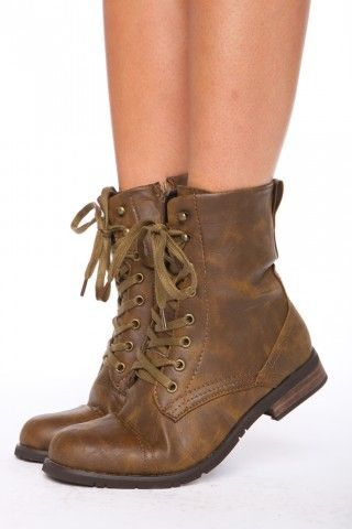 combat boots. I want a pair of these... Like Katniss...