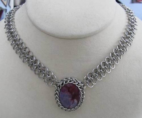 Love the look of this chainmail necklace