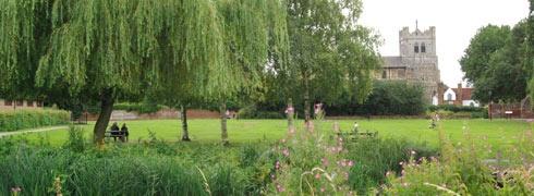 Waltham Abbey Gardens . Lee Valley