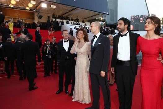 FashionTV Romania | Catrinel Menghia langa Sophia Loren, pe covorul rosu la Cannes 2014 | Fashiontv Cannes 2014