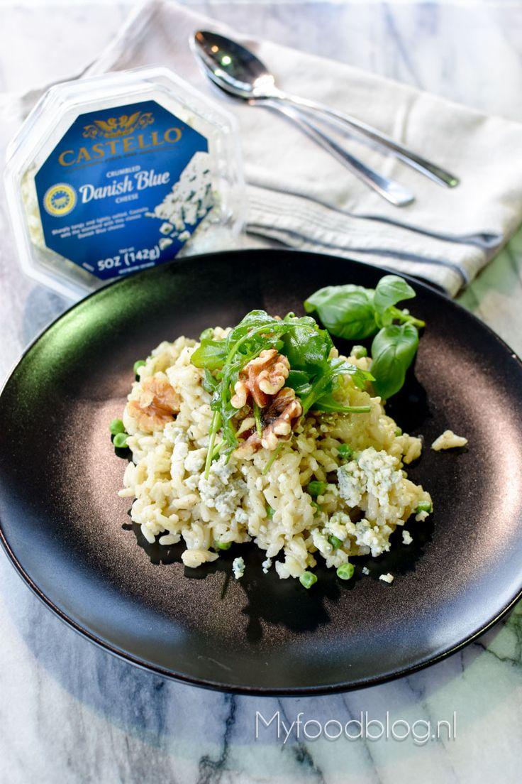 Op zoek naar een lekker recept voor een blauwe kaas risotto? Probeer deze smeuïge risotto met blauwe kaas, erwten en walnoten!