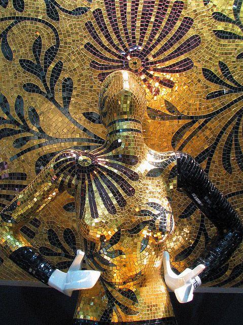 Sicis :: Mosaic Mannequin Art