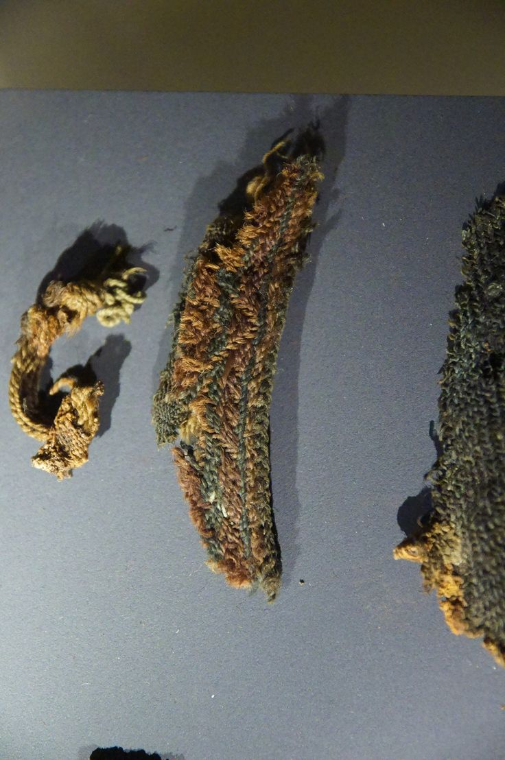 Icelandic National Museum, multi-colored tablet weaving. Foto uploaded by Angelica botanica.