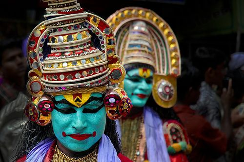 Cover the floor with flower carpets and dance with the decorated elephants until you are blue in the face…  Elaborate feasts, elegant dances, ornately dressed elephants, vibrant parades, snake boat races and intricate flower carpets are all part of this breathtaking harvest festival, the biggest festival in the South Indian state of Kerala .