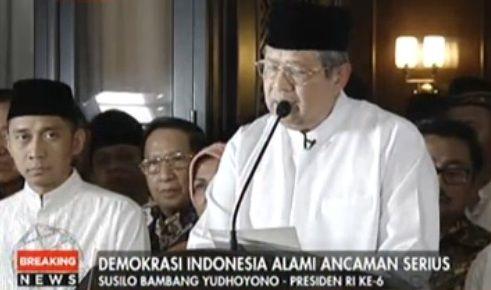 SBY: Penguasa takutlah pada Allah!  Presiden ke-6 Susilo Bambang Yudhoyono  Presiden ke-6 RI Haji Susilo Bambang Yudhoyono menggelar jumpa pers Senin (14/2) malam. Hal itu dilakukan terkait kicauan Atasari Azhar yang menyudutkan SBY. Antasari mengaku didatangi Bos MNC Group Hary Tanoesoedibjo Maret 2009. Menurutnya Harry Tanoe membawa misi SBY untuk meminta KPK agar tidak menahan Aulia Pohan. Dalam konferensi persnya SBY menuding ada misi khusus yang menyerang ia dan keluarganya dengan…