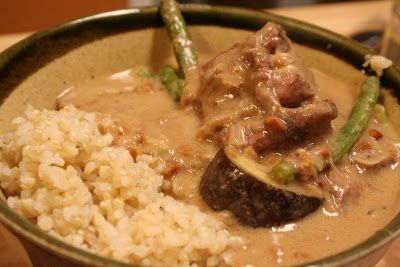 Get a slow cooker.  If I've learned one thing over the short life of this blog that I can impart, it's that.  Get a slow cooker.  It's like ...