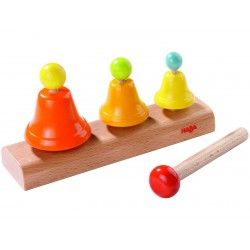 Coś kolorowego dla 2 latków   Haba 7731 - Dzwoneczki dla Dzieci  Śliczny zestaw zawiera: trzy dzwoneczki w różnych kolorach i o różnej wielkości umieszczone na drewnianej deseczce oraz pałeczkę.   Czy każdy z dzoneczków wydaje inny ton? Sprawdźcie sami:)  #zabawki #krakwo #zestaw #haba #haba7731 #dzwoneczkidladzieci