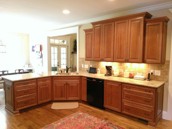 Wolf classic cabinets in the hudson door style with for Cocoa glaze cabinets