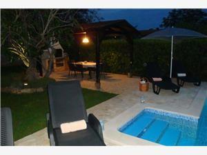 http://www.adriagate.com/Chorwacja-pl/Apartamenty-i-domy-letniskowe-z-basenem-Chorwacja