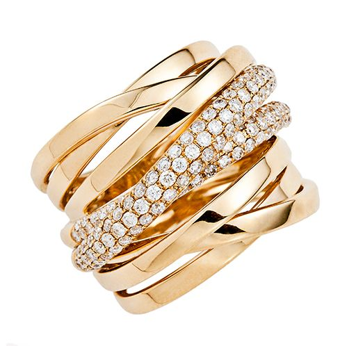 sortija de oro amarillo 18k con diamantes. Casa Banchero