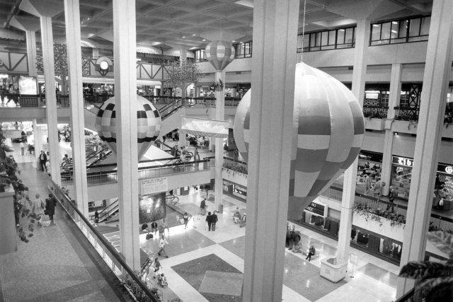 Place Laurier en 1988