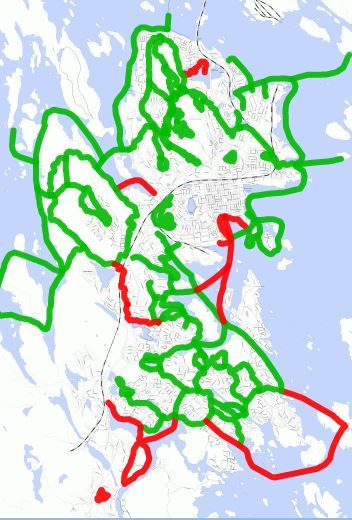 Cross-country skiing tracks around city center of Kuopio, Finland. 24th Jan 2016 (green=good, red=not made) https://kunto.softroi.fi/LATUKUOPIO