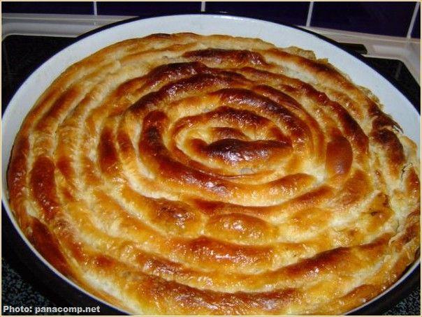 Voici la recette de la gibanica sucrée ou salée, un des plats typiques de la cuisine des Balkans, servi souvent au petit-déjeuner ou à déguster sur le pouce.