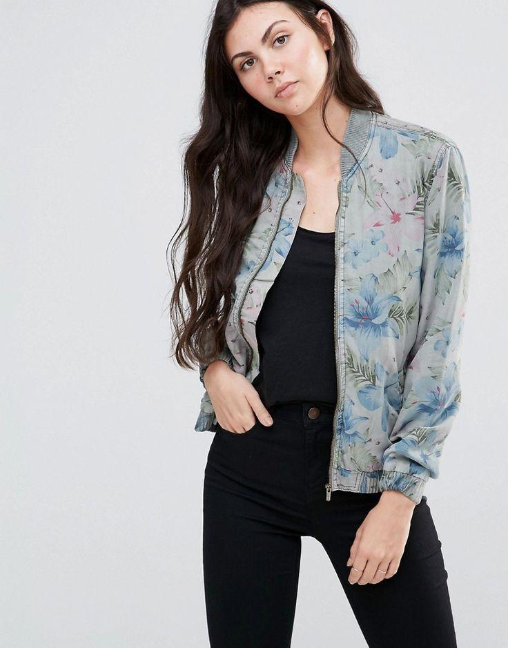 Pepe Jeans Pipa Bomber Jacket http://www.sizestyler.co.uk/product/buy/pepe-jeans-pipa-bomber-jacket--khaki-green-16021361